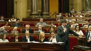 El Parlament aprueba una batería de medidas contra el Ejército