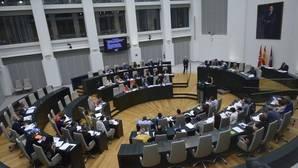 La Memoria Histórica caldea el Pleno de Madrid y embarra el debate municipal