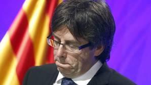 Puigdemont pide «lealtad» a la CUP, que pide referéndum para el primer semestre de 2017