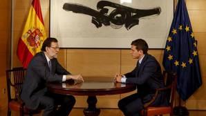 Rivera abre una vía directa con el PP para negociar los Presupuestos