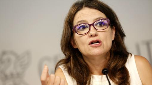 La portavoz del Consell, Mónica Oltra, durante la rueda de prensa en la que ha anunciado los cambios