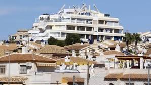 La venta de casas a extranjeros en Alicante alcanza los 500 millones de euros, un 30% más en un año