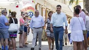Sánchez se enroca en el «no» a la espera de la llamada «inminente» de Rajoy