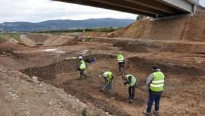 Los arqueólogos contratados por Acuamed realizaron excavaciones «cobrando como si fueran Indiana Jones»