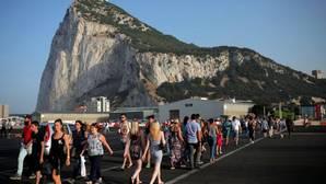 May asegura a Gibraltar que no habrá «cambios inmediatos» en la libre circulación