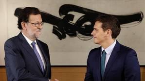 PP y Ciudadanos cierran un acuerdo de investidura que no suma pero refuerza la presión sobre el PSOE