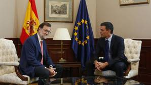 Rajoy: «Si el PSOE no quiere entrar en una coalición con PP y C's, al menos debería dejarnos gobernar»
