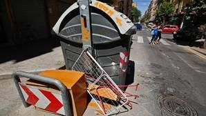 El turismo y el botellón desbordan al servicio de limpieza de Valencia