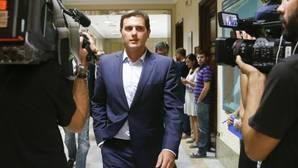 Rivera advierte a Rajoy con una moción de censura si incumple el acuerdo si llega a gobernar