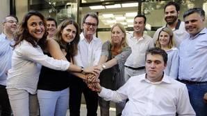 El PDC acusa a Fernández Díaz de violación de secretos, prevaricación y malversación