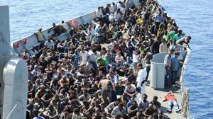 La fragata «Reina Sofía» rescata a 1.048 personas en el Mediterráneo en un día