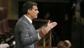 Rivera: «Hoy acaba un pacto. Estaremos a la expectativa si algún candidato del PP tiene una investidura viable»