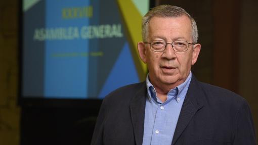 Benicio Alonso, primer consejero de Industria d ela Comunidad Canaria en 1981