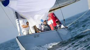 Don Juan Carlos compite en el Trofeo Príncipe de Asturias