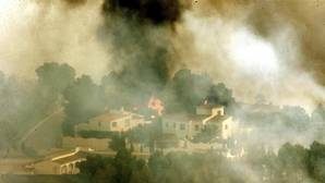 Varios medios aéreos trabajan en otro incendio forestal en Bolulla