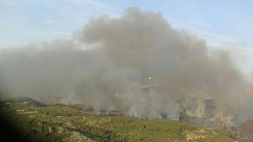 Imagen del incendio en Bolulla