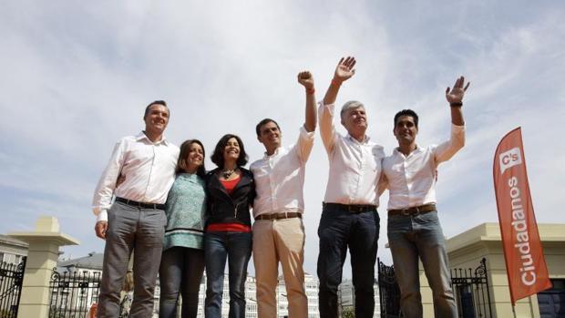 Albert Rivera acompaña en un acto de precampaña a la candidata a la presidencia de la Xunta, Cristina Losada