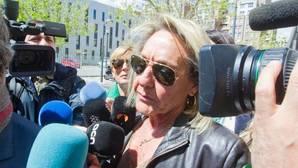 La exsecretaria del PP de Valencia contradice al partido y asegura que conocía la cuenta opaca