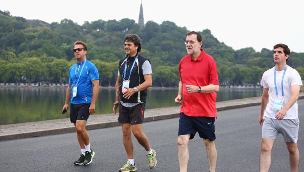 Mariano Rajoy dio su habitual caminata a primera hora de la mañana, hoy en Hangzhou