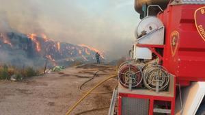 Arde la mayor granja de vacas lecheras de España