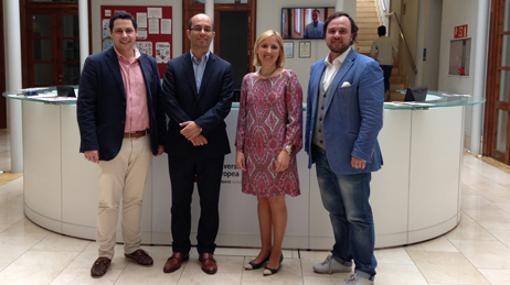 El director de Hiades con la rectora de Universidad Europea, Cristiana Oliveira
