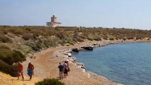 Llegan cuatro pateras con un centenar de inmigrantes a Alicante