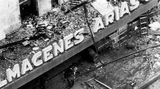 Diez bomberos murieron en los Almacenes Arias