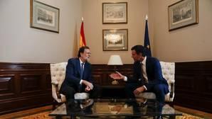 Sánchez y Rajoy hablan 10 minutos y ambos se ratifican en sus posturas