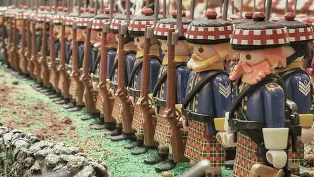 «Clicks» de Playmobil formando un ejército