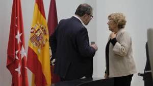 Cuando Manuela Carmena conoció a Barbero por un entierro en el cementerio de La Almudena