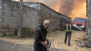 Cinco fuegos calcinan casi 4.000 hectáreas en Orense