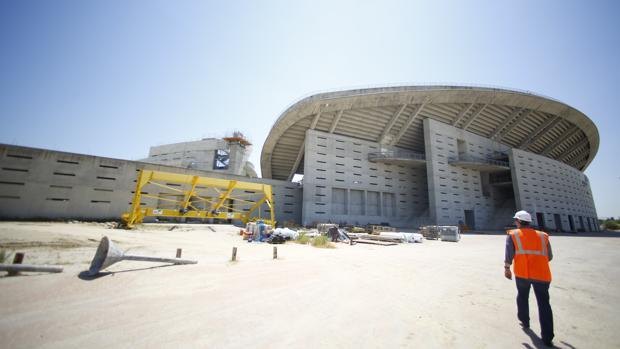 Exterior del estadio de La Peineta, todavía sin urbanizar