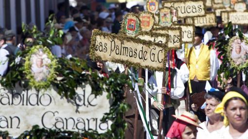 Los canarios siempre tienen comportamietos cívicos en sus fiestas