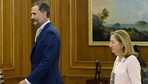 Ana Pastor, molesta con Antonio Hernando (PSOE) por «faltar a la verdad»