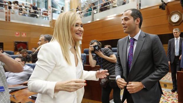 Ignacio Aguado, portavoz de C's en la Asamblea, con Cristina Cifuentes