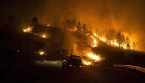 El juez deja en libertad al presunto autor de la oleada de incendios que ha devastado Orense