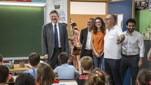 Los representantes políticos, durante el inicio de curso escolar