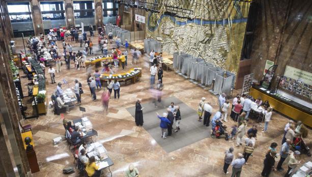Interior del Ayuntamiento de Zaragoza, en una imagen de archivo