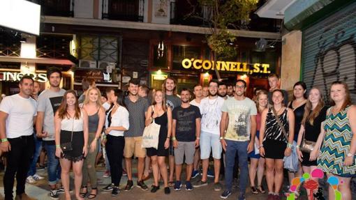 Un grupo de estudiantes Erasmus en el centro de Madrid
