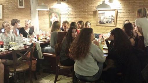 Salón del Restaurante Baviera en Alicante.