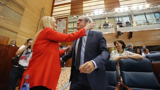 Cifuentes defiende la integridad del PP: «No tengo ni un solo imputado»