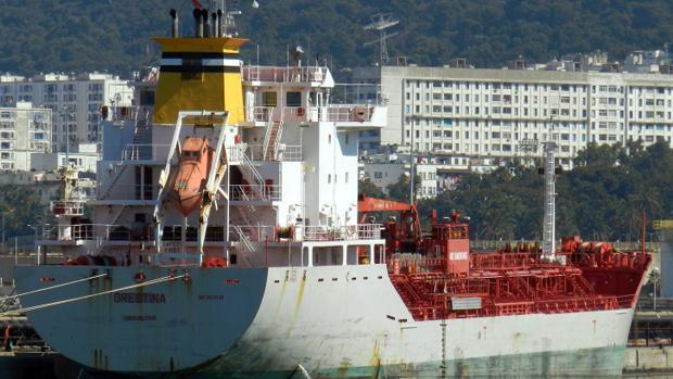 El capitán del buque Orestina se puede enfrentar a cargos por desacato