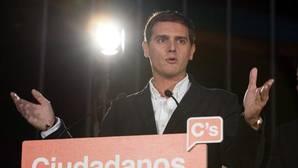 Rivera ofrecerá a Sánchez una mesa a tres con el PP «si tengo ocasión de hablar con él»
