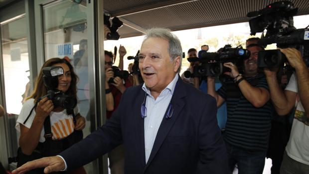 Alfonso Rus, a su llegada a los juzgados este viernes