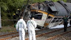 El descarrilamiento de un tren en O Porriño (Pontevedra), en imágenes