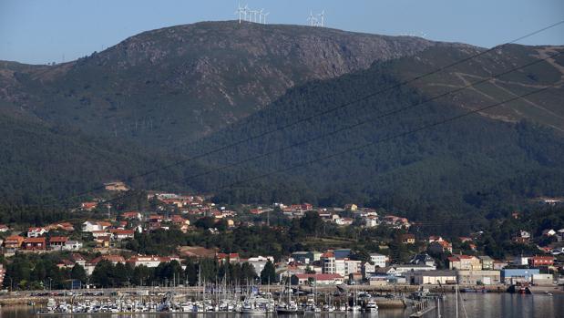 Imagen de los montes que circundan A Pobra