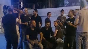 Denuncian fiestas de botellón en el tejado de un edificio de apartamentos turísticos de Valencia