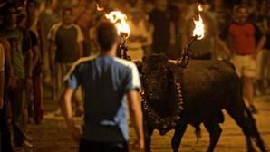 Un menor de 15 años sufre quemaduras y heridas en el «bou embolat» de Villarreal