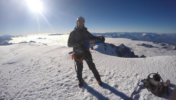 Alberto Oliva pisa el Mont Blanc
