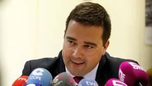 El PP pice cesar al viceconsejero por su vínculo con Chiloeches